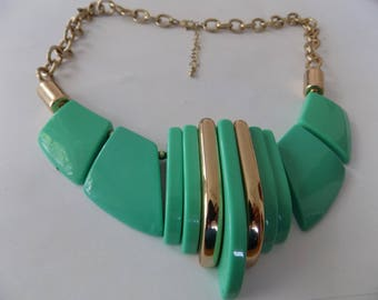 Vintage mint green and gold  1970's hipster plastic swedges statement bib necklace, jewelry, jewellery