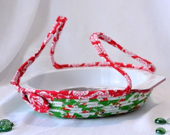 SALE... Unique Pie Cozy, Handmade Holiday Basket, Pie Carrier, Dessert Caddy, Christmas Bread Basket, Decorative Holiday Basket, Decoration