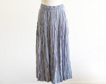 "Vintage High Waisted Pleated Stripe Midi Skirt / Navy and White / Waist 28"""