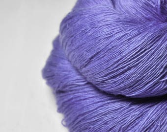 Periwinkle on its way to paradise - Merino/Cashmere Fine Lace Yarn