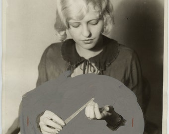 Surreal original manicure press photo 1927