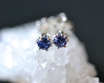 3mm tanzanite stud earrings