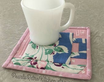 Retro Floral Roses Pink and Blue Tea Cup Mug Rug