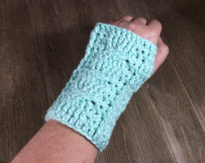 Cable Stitch Crochet Wrist Warmer Fingerless Gloves - Minty