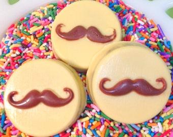Chocolate covered Oreo - Mustache
