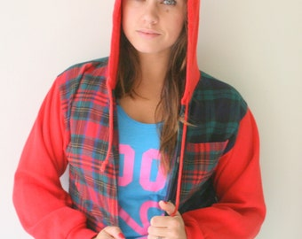 1970s PLAID Hoodie...size small medium...kitsch. top. 80s clothing. summer. hipster. urban. hippie. boho. sweatshirt. red. holiday. green