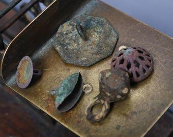 Set of 5 Antique brass buttons, dark patina