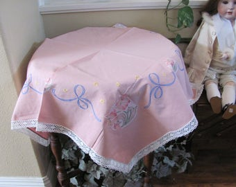 """Table Linens Vintage Pink Handmade Embroidered Linen Cotton Lace Tablecloth - 34"""" Square (#132)"""