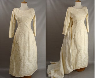 As-Is. vintage Wedding Dress. 50s 60s Off White Brocade Dress w/Detatchable Train or Customizable Zombie Costume OPTIONAL BLOOD size S M 6
