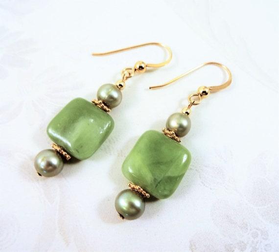 Green Garnet Earrings, Green Garnet and Pearl Earrings, Green Stone Earrings, 14k gold fill earrings, Gemstone Earrings Square Earrings