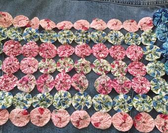 Vintage yo yo quilt pillow top pink blue