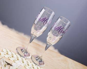 Mr. and Mrs. Toasting flutes, wedding gifts, engagement gift, newlywed gifts, bride and groom wedding flutes.