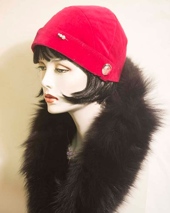 1920s Accessories Vintage inspired hand made cloche 1920s 1930s hat $66.67 AT vintagedancer.com