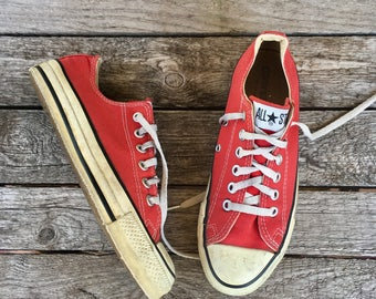 6 | Red Low Cut Converse Chuck Taylor Oxford Sneakers