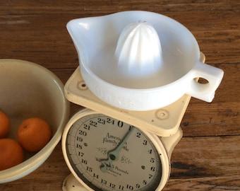 Vintage Milk Glass Juicer / Sunkist Juicer Reamer / White Glass Juicer