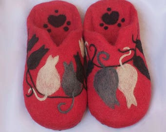 Felted wool slippers Cats/women's shoes/slippers
