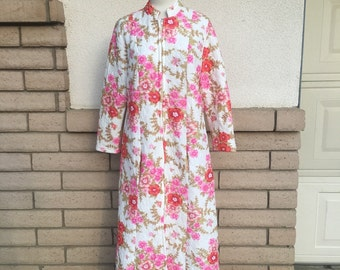 60s Pink & Red Orange Quilted Floral Robe Housecoat Size M-L