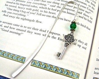 Bookmark - Silver Plated Pewter Antique Style Key with Emerald Green Beads / Silver Shepherd Hook Page Marker