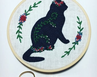 Spring - 5in Hand Embroidered Flower Crown Cat - Floral Hand Stitched Embroidery on Linen
