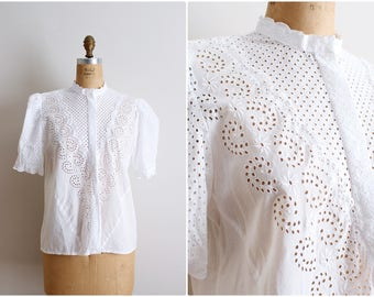 80s White Eyelet Blouse / White Short Sleeved Blouse / Puffy sleeves Blouse/ Size M/L