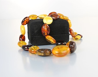 Amber Bead Necklace, Double knotted Multi color 18 inch Graduated Necklace vintage 1980s jewelry