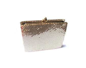 Wallet Kiss Lock Coin Purse Gold Snake Scale Mesh Whiting & Davis 1960s