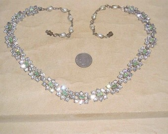 Vintage Green Baguette Rhinestone Pot Metal Necklace With Faux Pearls 1940's Jewelry 141
