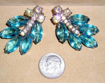 Juliana Vintage Blue Marquise Cut Stones And Iridescent Rhinestone Clip On Earrings 1960's Jewelry 144