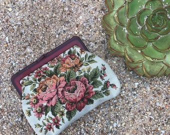 Sweet cream tapestry floral 60s small clutch purse