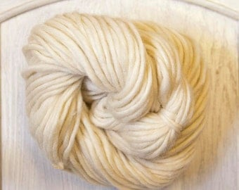 Yak Yarn in Ivory White Dyeable Fiber