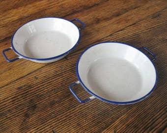 2 KER Sweden White Enamelware Bowl w/ Blue Trim Double Side Handles 14 cm