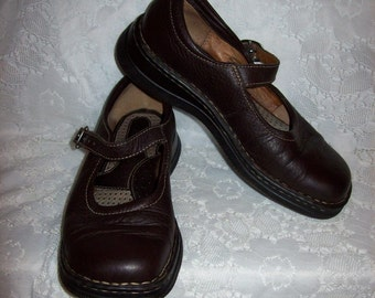 Vintage Ladies Brown Leather Mary Janes by Born UK Size 3 1/2 Only 12 USD