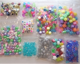 500CT Kids Bead Kit, Pony Beads, Bright colors, Letters, Shapes, Hearts, Foil/metalic, Neon, Pastel Z28