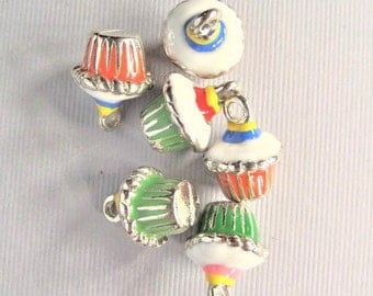 16mm*13mm, Alloy and Enamel Cupcake Charms, 4CT. Y59
