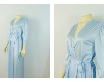 Vintage Robe 70s  Kayser Baby Blue Satin Robe Short Dressing Gown Size Small Made in USA