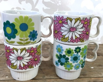 Japanese Stacking Mugs, mod flowers pink and green set of 4, made in Japan,  1960's, floral accent, coffee cups, teacups