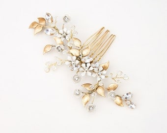 Garden hair comb with rose flowers, petite rosette headpiece - style 244