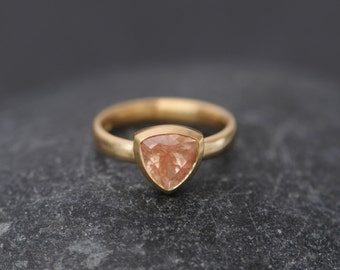 Sunstone Trillion Ring - Oregon Sunstone Ring in 18K Gold - Orange Sunstone Ring - Trillion Ring - Made to order -  FREE SHIPPING