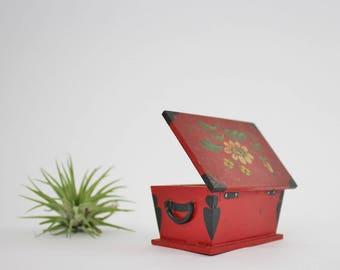 Vintage Wooden Pori Finland Trinket Box Floral Design - Hand Painted Wooden Treasure Box - 1967 U.S. Stamp - Finland Independence 1917