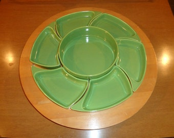 Vintage Blond Wood Lazy Susan with Lime Green Ceramic Service Pieces that fit on top in Good Vintage Condition, Santa Anita Ware, California