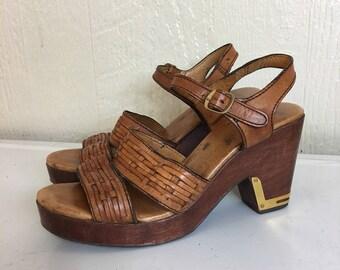 Vintage 70s Platform Leather Sandal Wooden Heel Brazilian Size 8 M F140