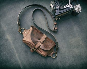 Crossbody leather small purse/fanny pack SALE !140 usd now is 112 usd 20 % less