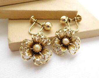 Vintage Openwork Filigree Gold Tone White Faux Pearl Flower Screw Back Earrings