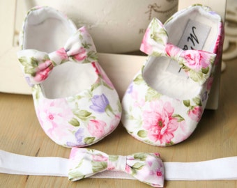 White floral baby girl shoes, pink baby shoes, baby bow shoes, flower girl shoes, christening shoes, baby ballet slippers baby girl gift set