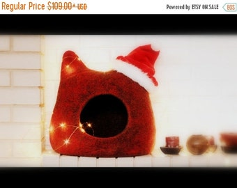 Cat bed - red cat cave - felt pet bed - wool cat house - made to order - Christmas gift for pets