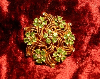 Beautiful Vintage Rhinestone Brooch . Pale Green and Clear Stones