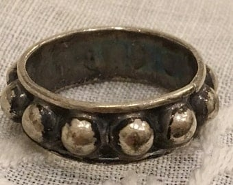 Vintage Sterling Silver Studded Ring from Mexico. Pinky Ring in Sterling Silver.