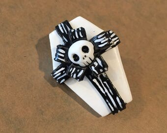 Nbc- nightmsre before christmas spooky gift pin