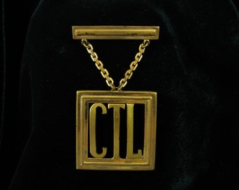 Vintage Art Deco C Clasp Monogram Brooch,  Vintage Art Deco Dangle Initial Brooch, Great Gatsby Style, Authentic Art Deco Jewelry S 101