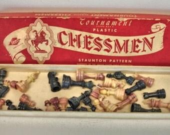 Vintage Tournament Chessmen Chess Pieces Complete Set In Original Box 1960s